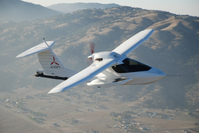 Самолёт ICON A5: шпора не бывает.