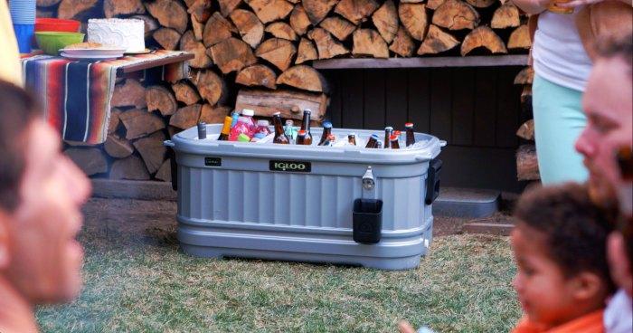 Igloo Party Bar - холодильник, который можно взять с собой.