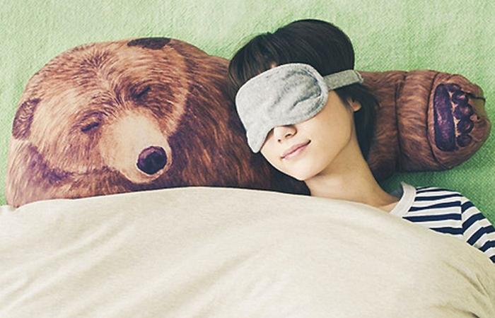 Лапа, на которой собственно спит человек, регулируемая.