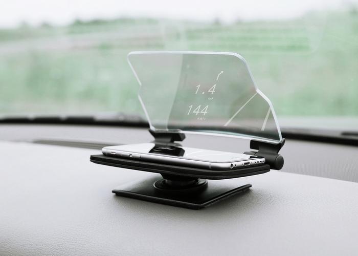 Невероятный гаджет: держатель для смартфона HUDWAY GLASS.
