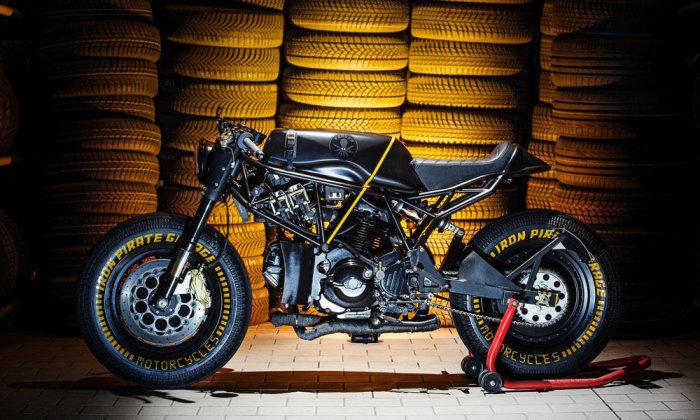 Кастом модели Ducati 750 SS от ателье Iron Pirate Garage.