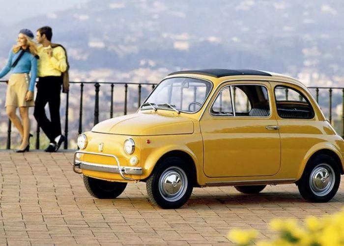 Настоящий народный автомобиль Fiat 500.