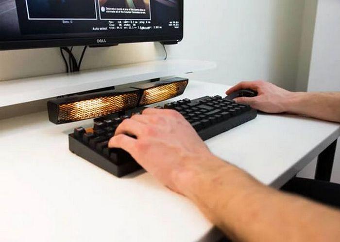 Так теплее: инфракрасный обогреватель для клавиатуры.
