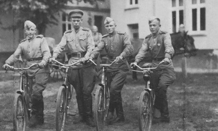 Велосипедов было у немцев много. |Фото: birzha-kursk.ru.