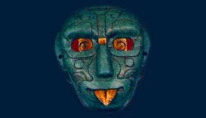 Магия нефрита: бог Солнца древних майа с зубом акулы.
