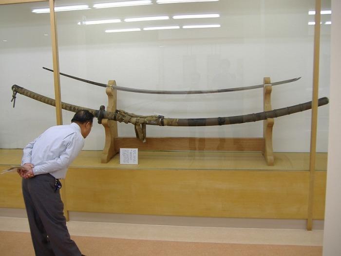 Некоторые клинки слишком большие. |Фото: ekamer.livejournal.com.