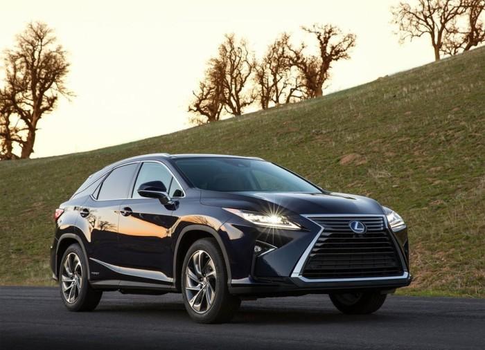 Роскошные Lexus пользуются спросом и сегодня.