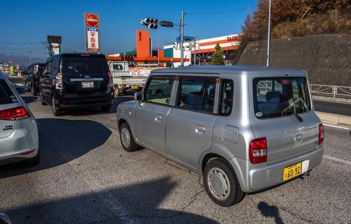 Японцы предпочитают маленькие автомобили.