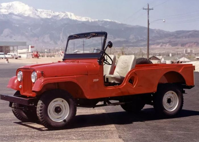Jeep CJ-6 - удлиненная версия классики.