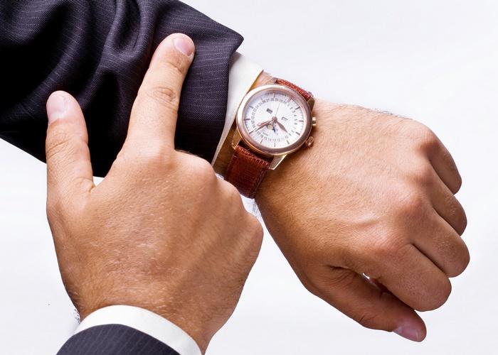 Не стоит смотреть на часы.