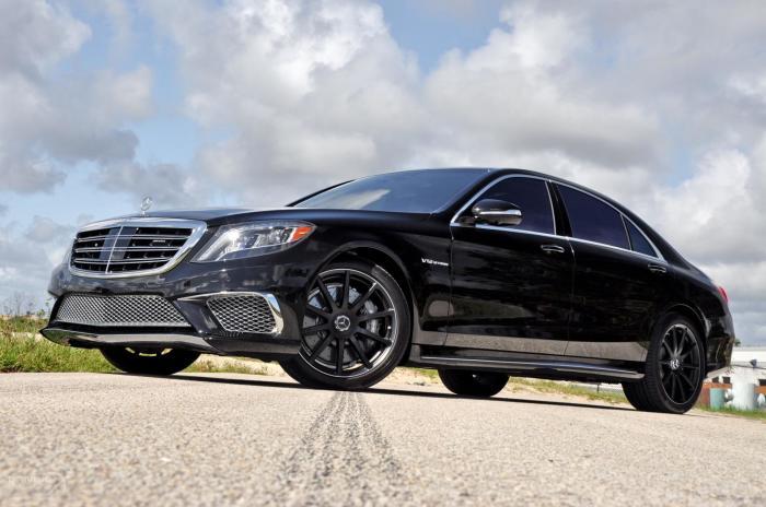 Выглядит стильно и сурово. |Фото: wsupercars.com.