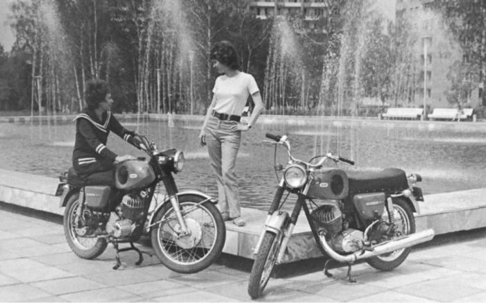 А вообще мотоциклы в СССР любили. ¦Фото: Twitter.