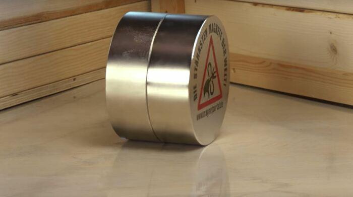 Понадобится пара магнитов. ¦Фото: magnets-shop.com.