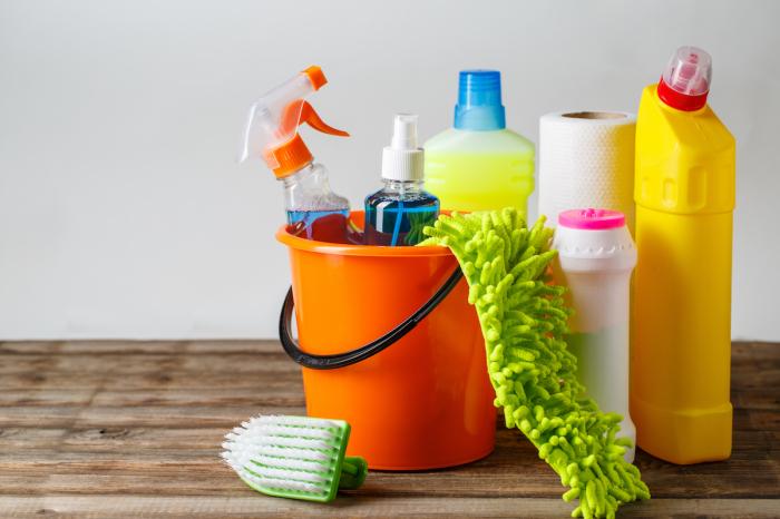 Обычные моющие средства никто не отменял. |Фото: importinfo.ru.