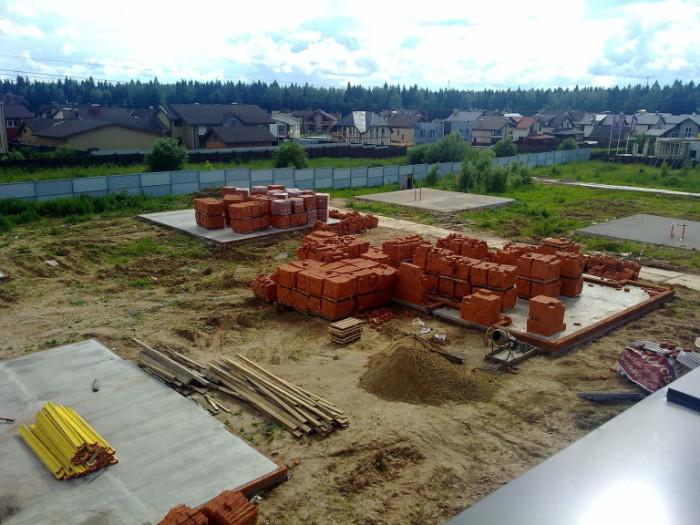 Если строить дом на даче, не отступив 3 метра от границы с соседом: какие могут быть последствия