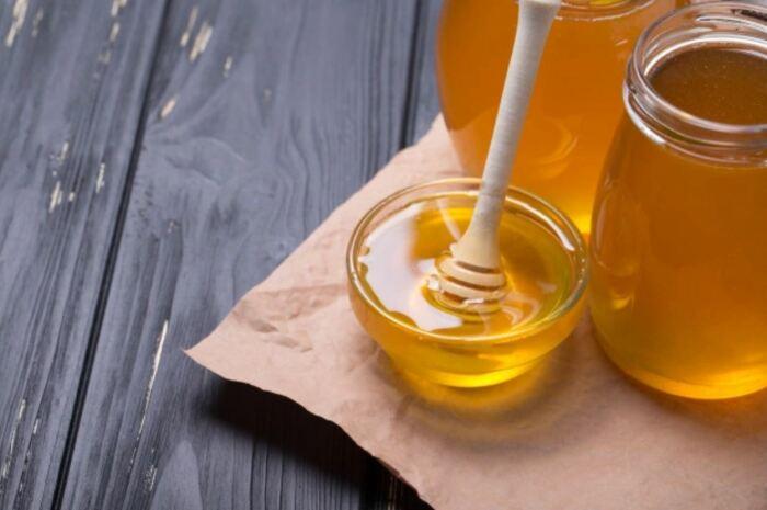 Можно проверить мед бумагой. |Фото: freepik.com.