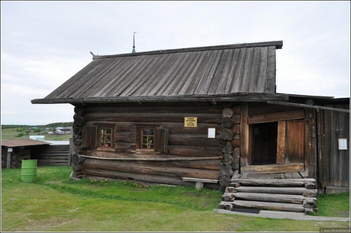 Крыши стелились из дерева. |Фото: tourister.ru.