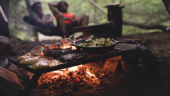 Но лучше позаботится об огне. |Фото: pxhere.com.