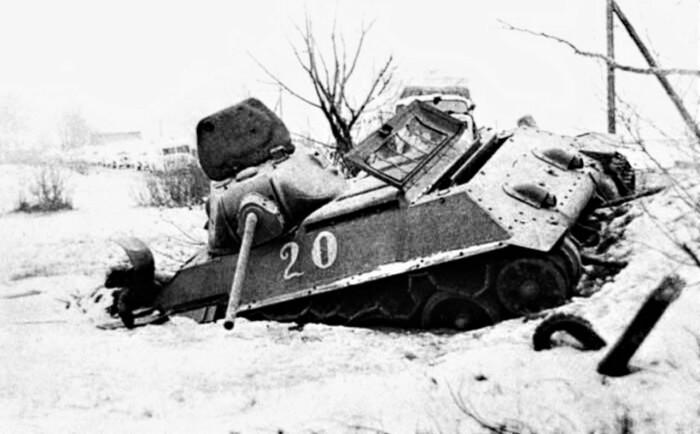 Сделано Т-34-57 было немного и все они были потеряны. | Фото: js4.red.