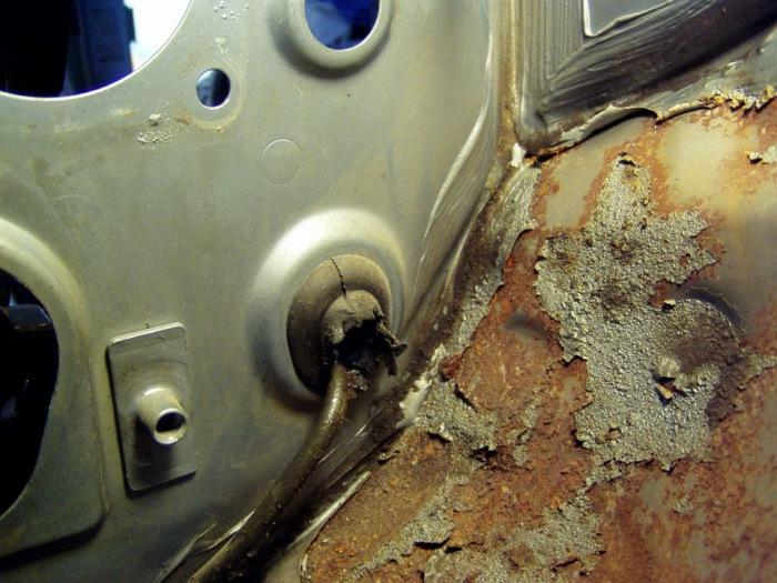 Ржавчина закрадывается в самые разные места. |Фото: drive2.com.