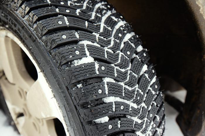 Шипы рекомендуются не только для суровых условий, но и для новичков. |Фото: voronezh.best-tyres.ru.