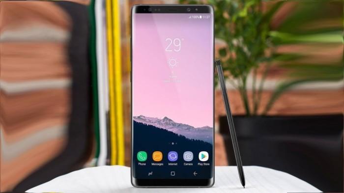 Samsung Galaxy Note 8 все еще радует покупателей.