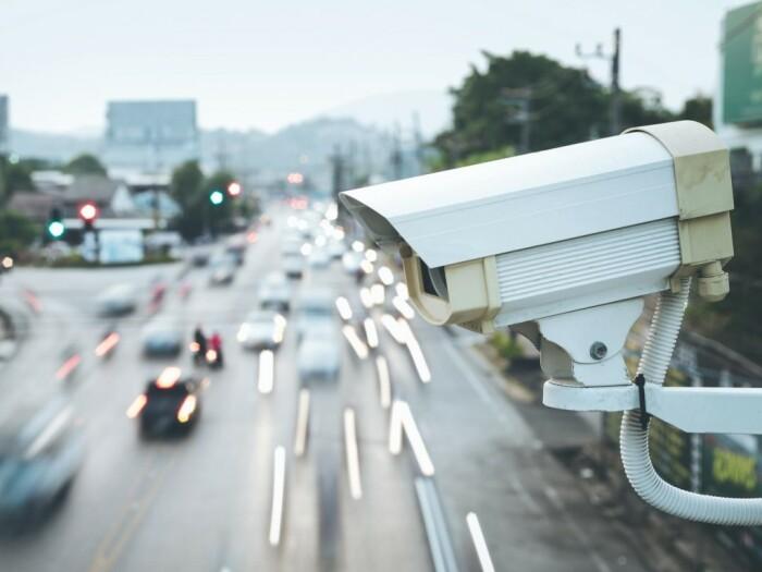 Большинство камер видит уже на километр. |Фото: kolesa.ru.