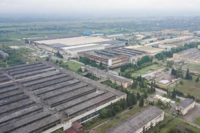 Десятилетиями завод рос и процветал.  Фото: ya.ru.