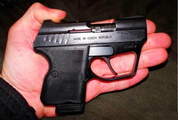 Интересный чешский пистолет. |Фото: zonwar.ru.