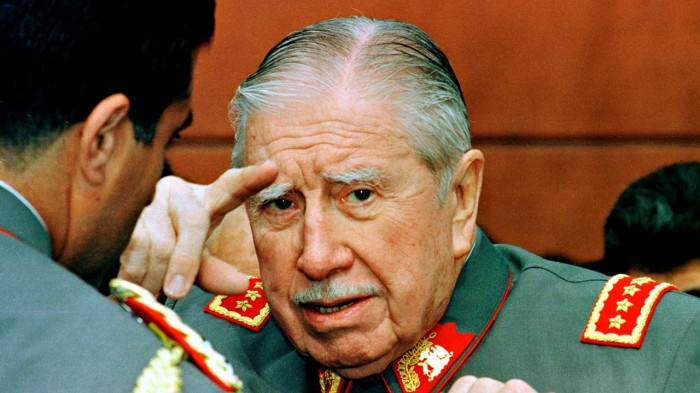 Пиночет был скомпроментирован КГБ.