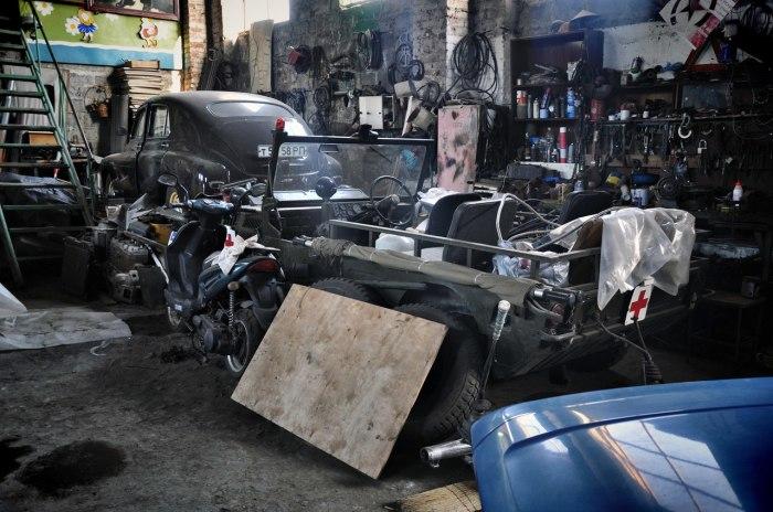 На машину в среднем уходит год работы. |Фото: google.com.