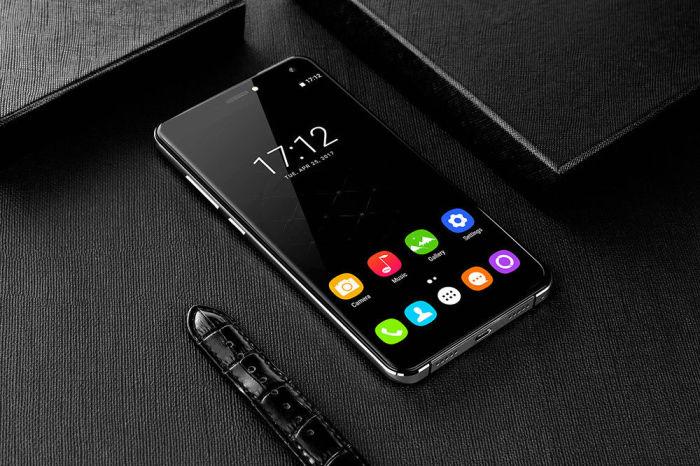 Дизайн копирует самый красивый смартфон современности.