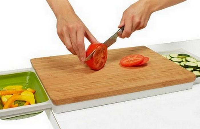 Кухонная утварь: разделочная доска.