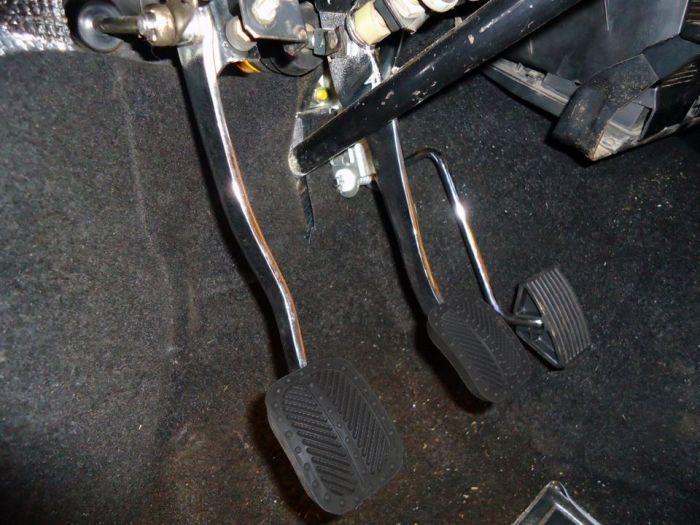 За легкость нажатия педали нужно внимательно следить. | Фото: autoflit.ru.