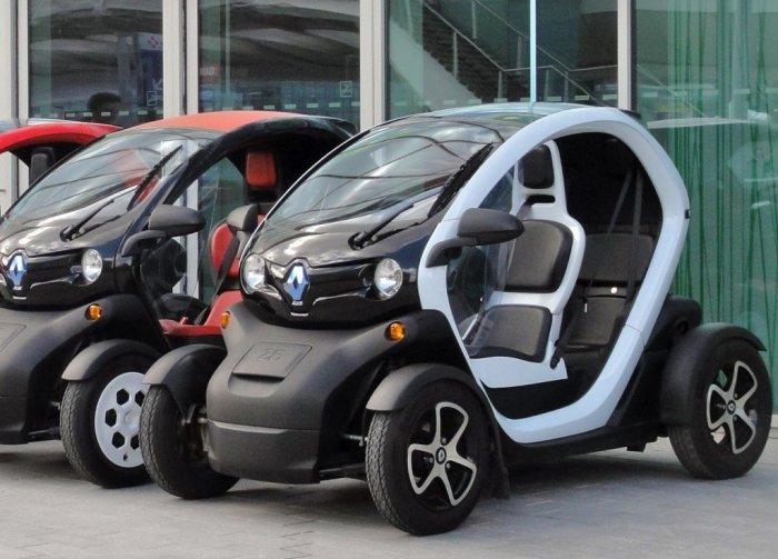 Электромобили также теперь реальность.