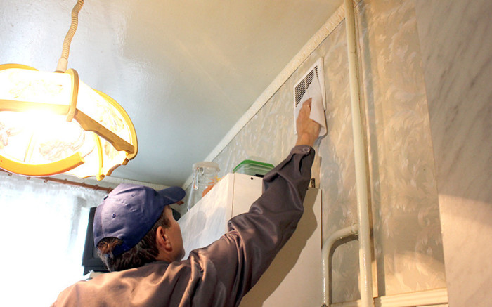 Проверка вентиляции - важнейший шаг. |Фото: ganc-chas.by.