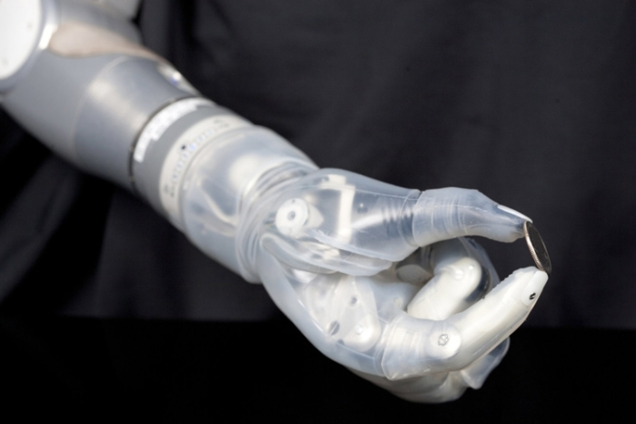 Высокотехнологичная конечность LUKE arm.