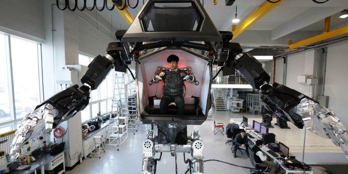 Робот проходит тесты.