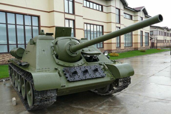Сначала была СУ-85. |Фото: format72.ru.