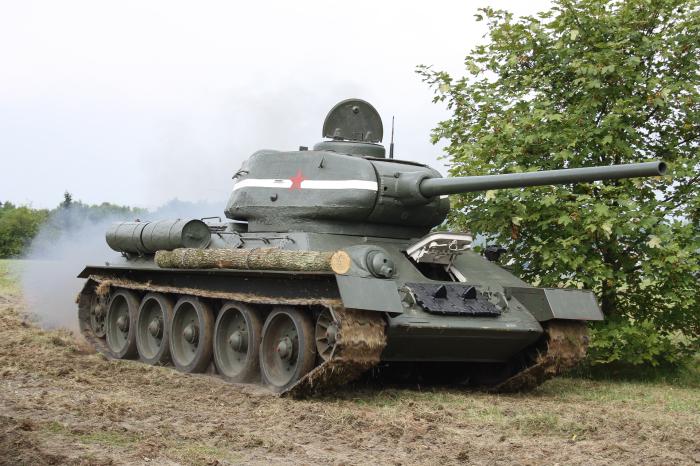 Делась САУ на базе танка Т-34-85. |Фото: avto.goodfon.ru.