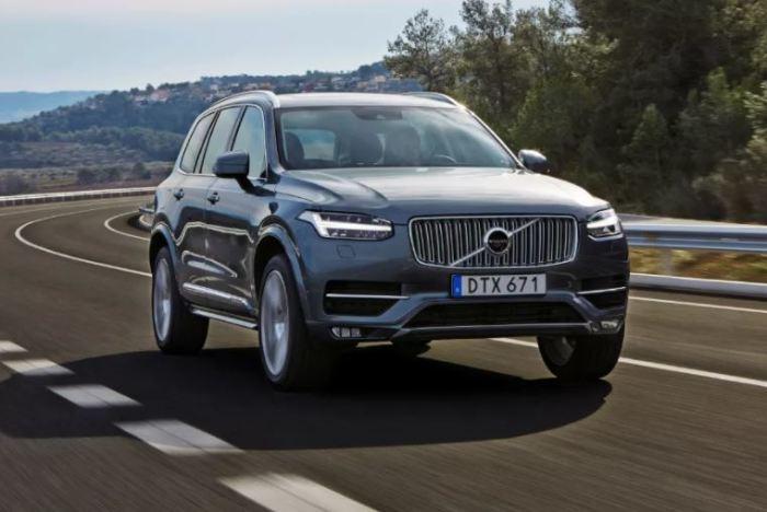 Неизменный лидер рынка Volvo XC90.