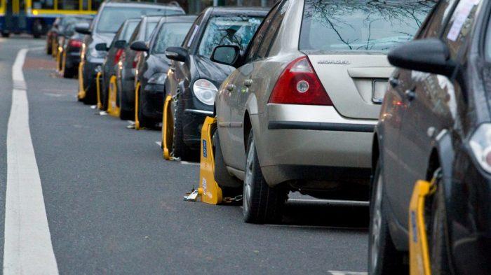 На парковке можно выкручивать, но не сильно. ¦Фото: kolesa.kz.
