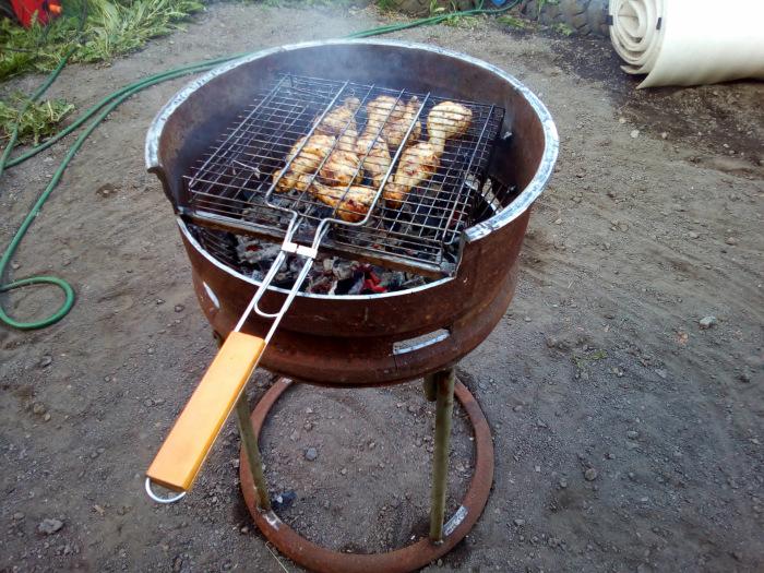 Получается отличный мангал или барбекю. |Фото: stroy-podskazka.ru.