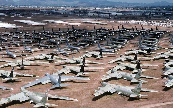 У самолетов есть свои кладбища. |Фото: pxhere.com.
