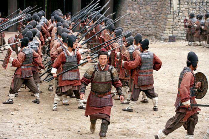 Древние китайцы постоянно воевали с коечниками и в итоге изгнали хуннов. |Фото:  ru.kinorium.com.