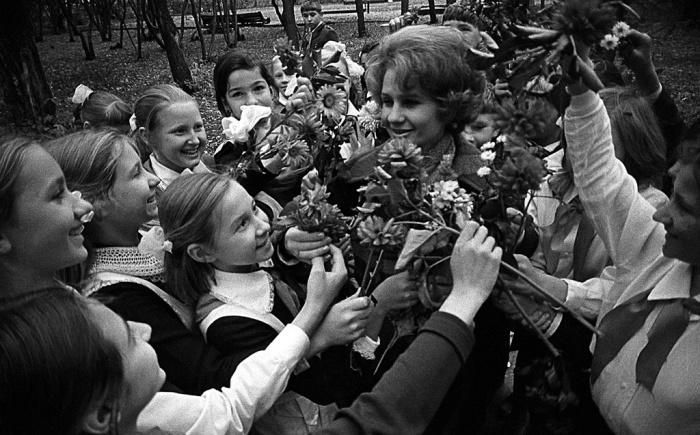 Учителя в СССР пользовались большим авторитетом. |Фото: dom-puha.ru.