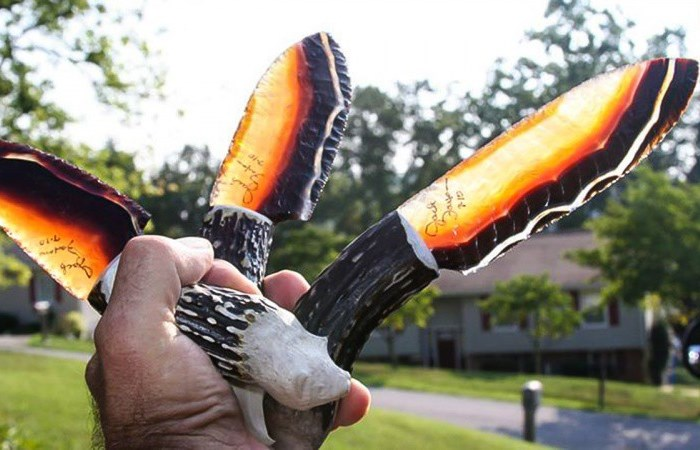 Странные, красивые и необычные ножи.
