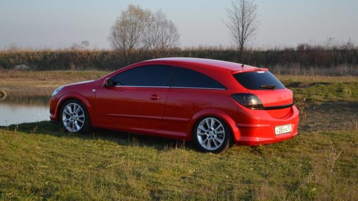 Отличный Opel Astra H во всех отношениях.