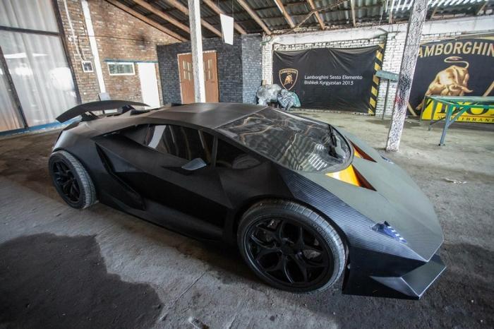 Макет киргизского Lamborghini.