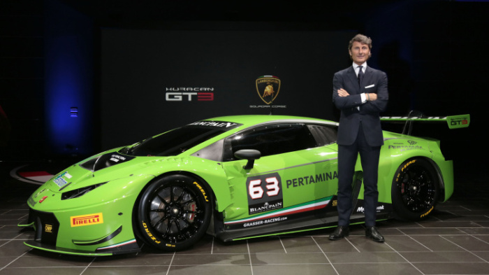 Гендиректор Lamborghini Стефан Винкельман и Huracan GT3.